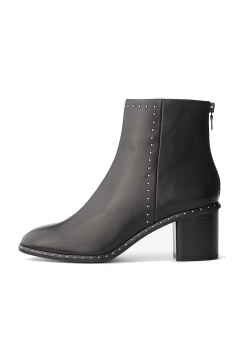 Willow Stud Leather Boot - Black